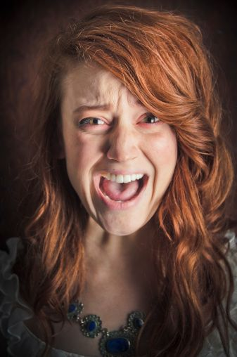 screaming scared - Google Search | Face expressions, Girl ...