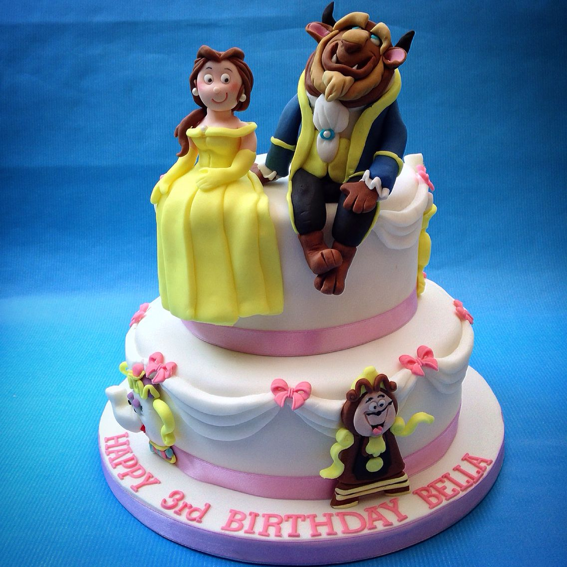 Beauty and the Beast Cake wwwcaronscakerycouk Disneys Beauty