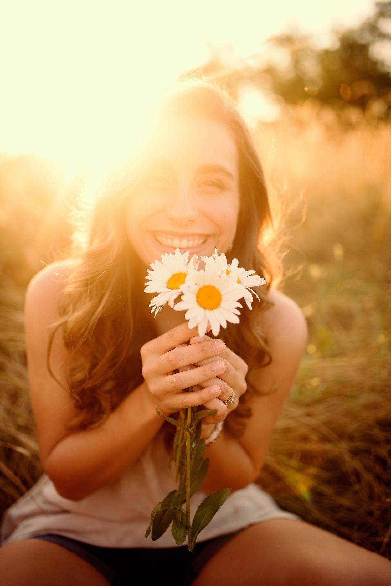 Cute Senior Photoshoot Ideas For Girls