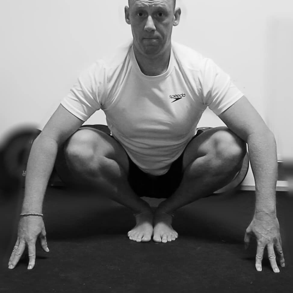 Open your hip and increase the mobility of your ankle.  #hiphealth #hipmobility #hipmobili...