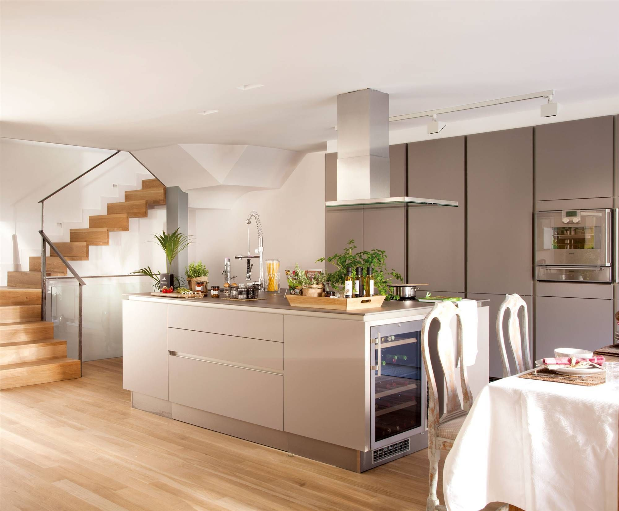 Image result for MOLE TONE AND SILK TEXTURE kitchen