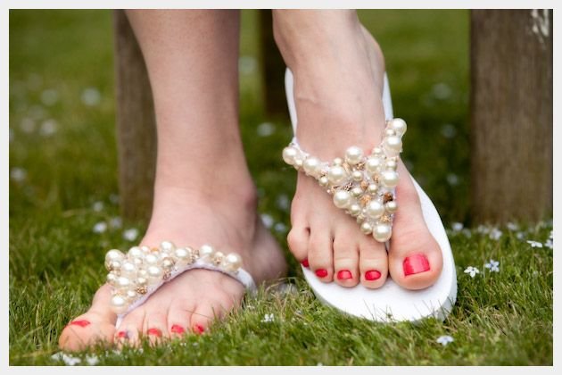 Beaded Flip Flop Sandal - Oh I am SO making these!!! <3