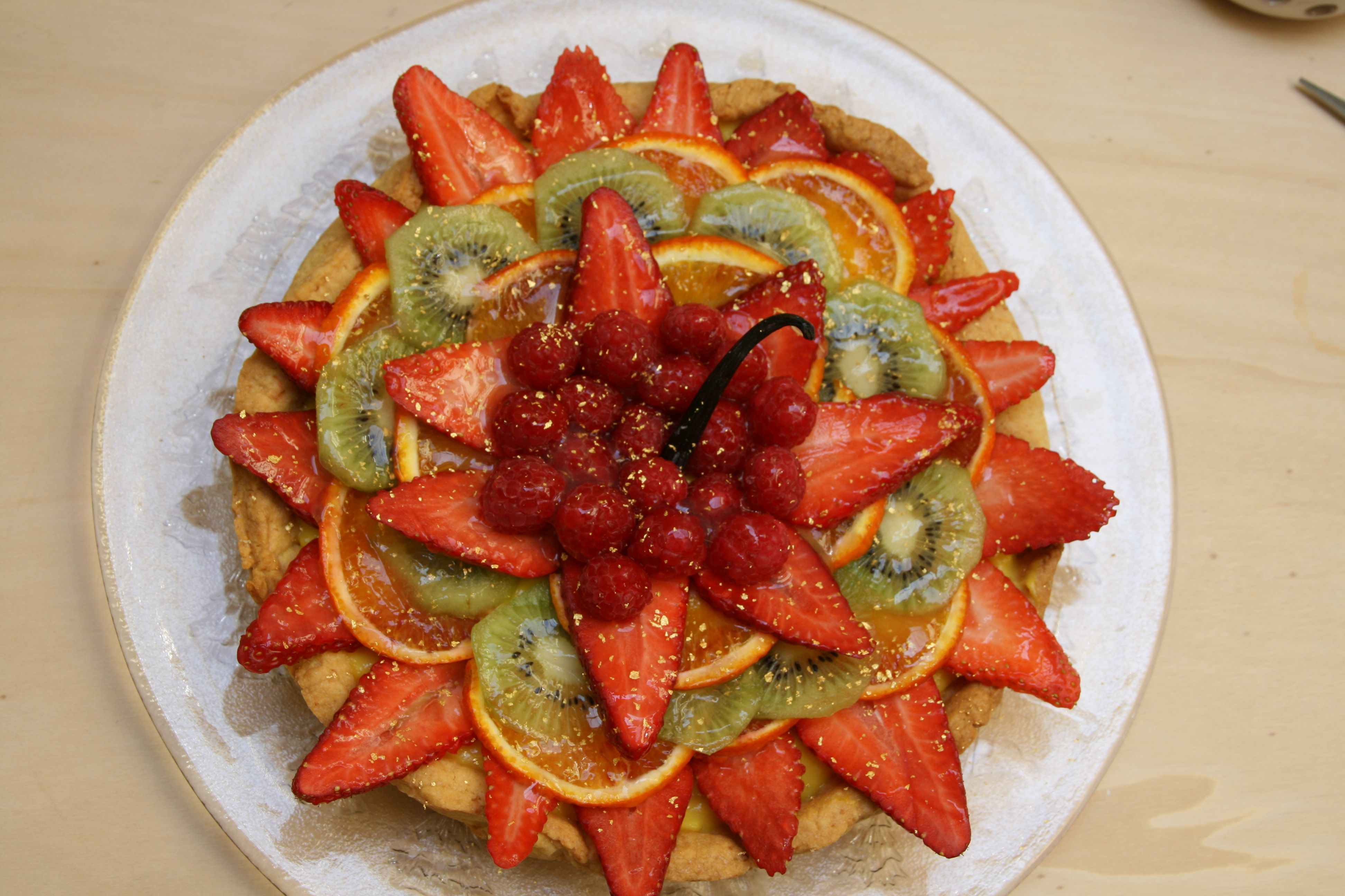 Crostata di frutta con crema Chantilly
