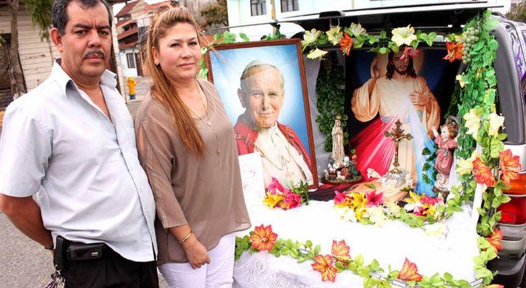 """Habla la mujer que experimentó el milagro de """"san"""" Juan Pablo II - Aleteia"""
