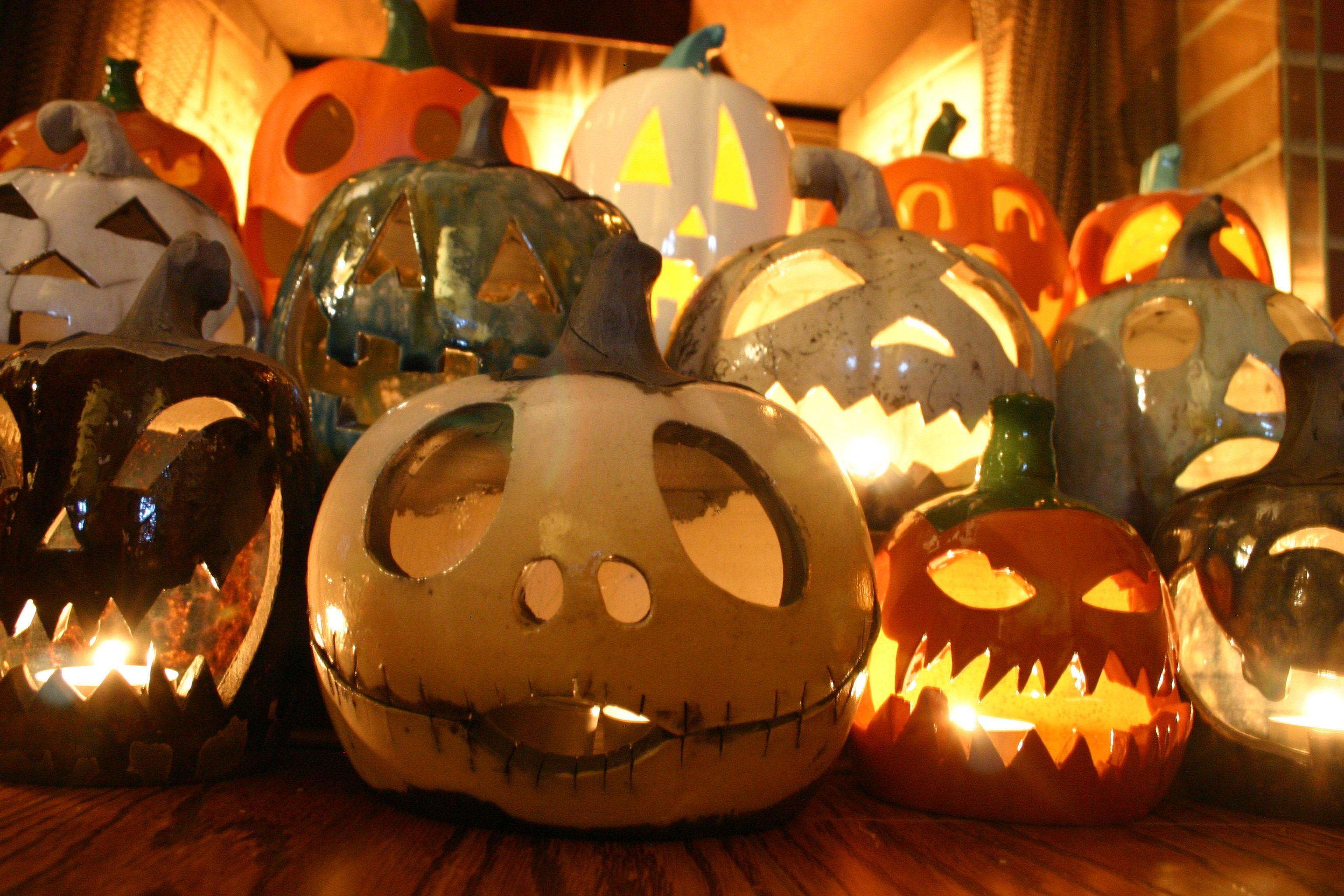 ceramic jack-o\u0027-lanterns! Autumn can be Wonderfully Wicked Pinterest - halloween house decoration ideas