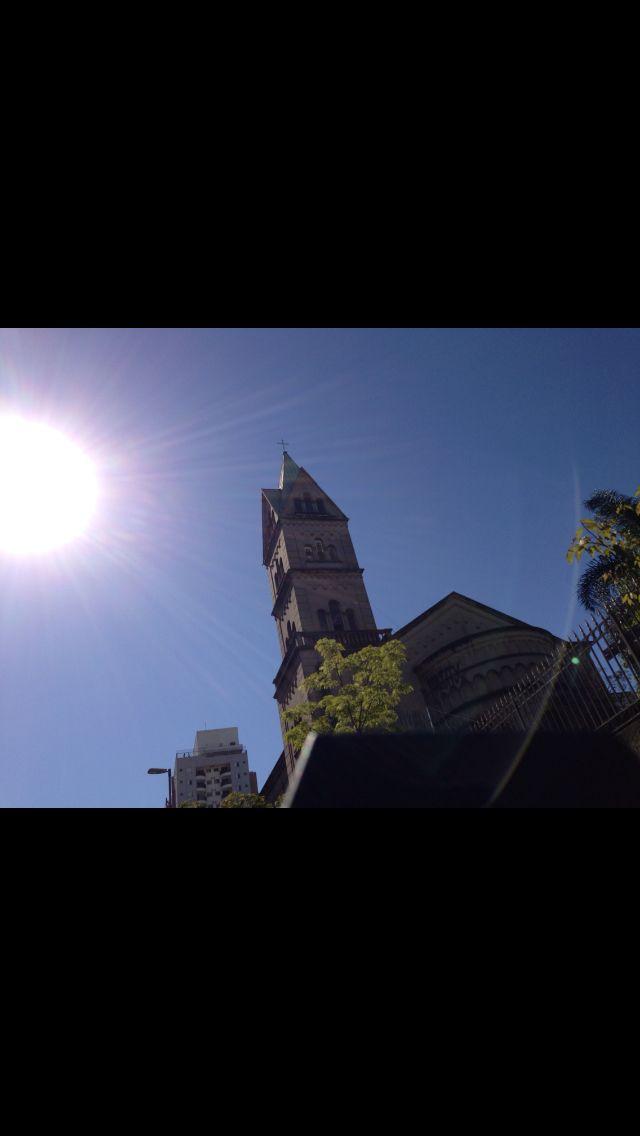 Sol e Igreja na 9 de Julho - São Paulo - Brasil  http://imoveismlara.wordpress.com/  http://www.marcelolara.com.br
