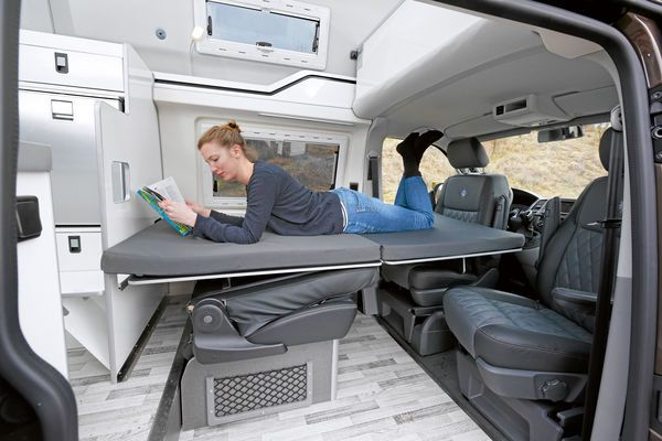 westfalia club joker und ford nugget ford transit gegen. Black Bedroom Furniture Sets. Home Design Ideas