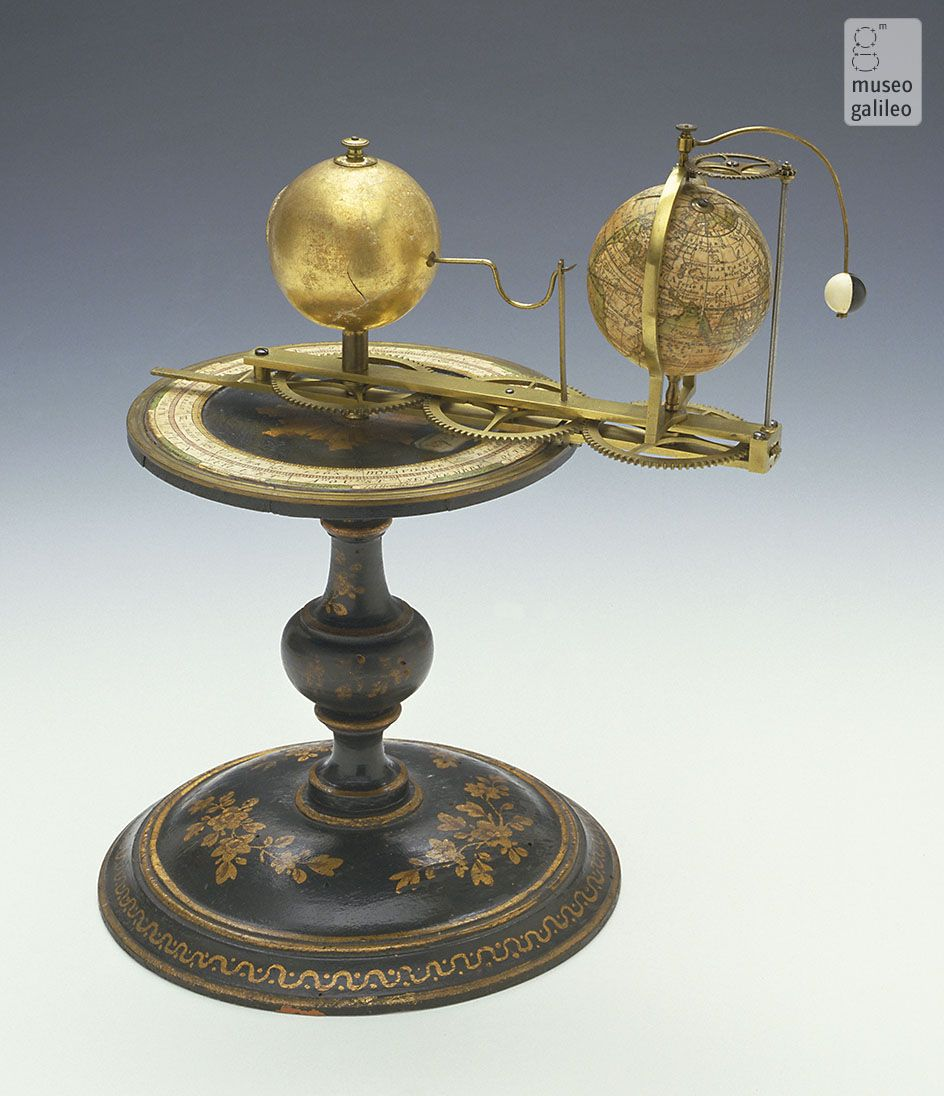 Tellurium (Dep. SBAS, Firenze), Copernican planetarium model to illustrate terrestrial and lunar revolutions around the Sun. Attributed to Charles-François Delamarche. The device can be hand-operated by means of a gear system to simulate the motions of the celestial bodies with varying degrees of approximation. Delamarche produced similar models in the early nineteenth century. There is a similar instrument in the collection of the Osservatorio Ximeniano, also in Florence.
