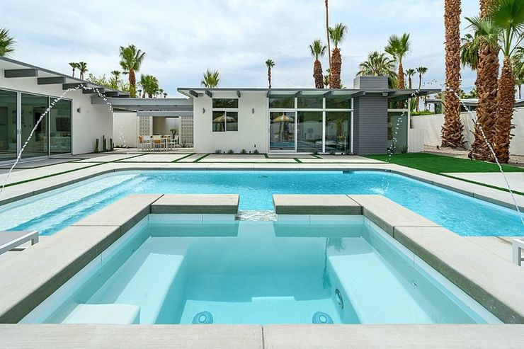 Belle demeure contemporaine californienne palm springs for Piscine coque avec jacuzzi