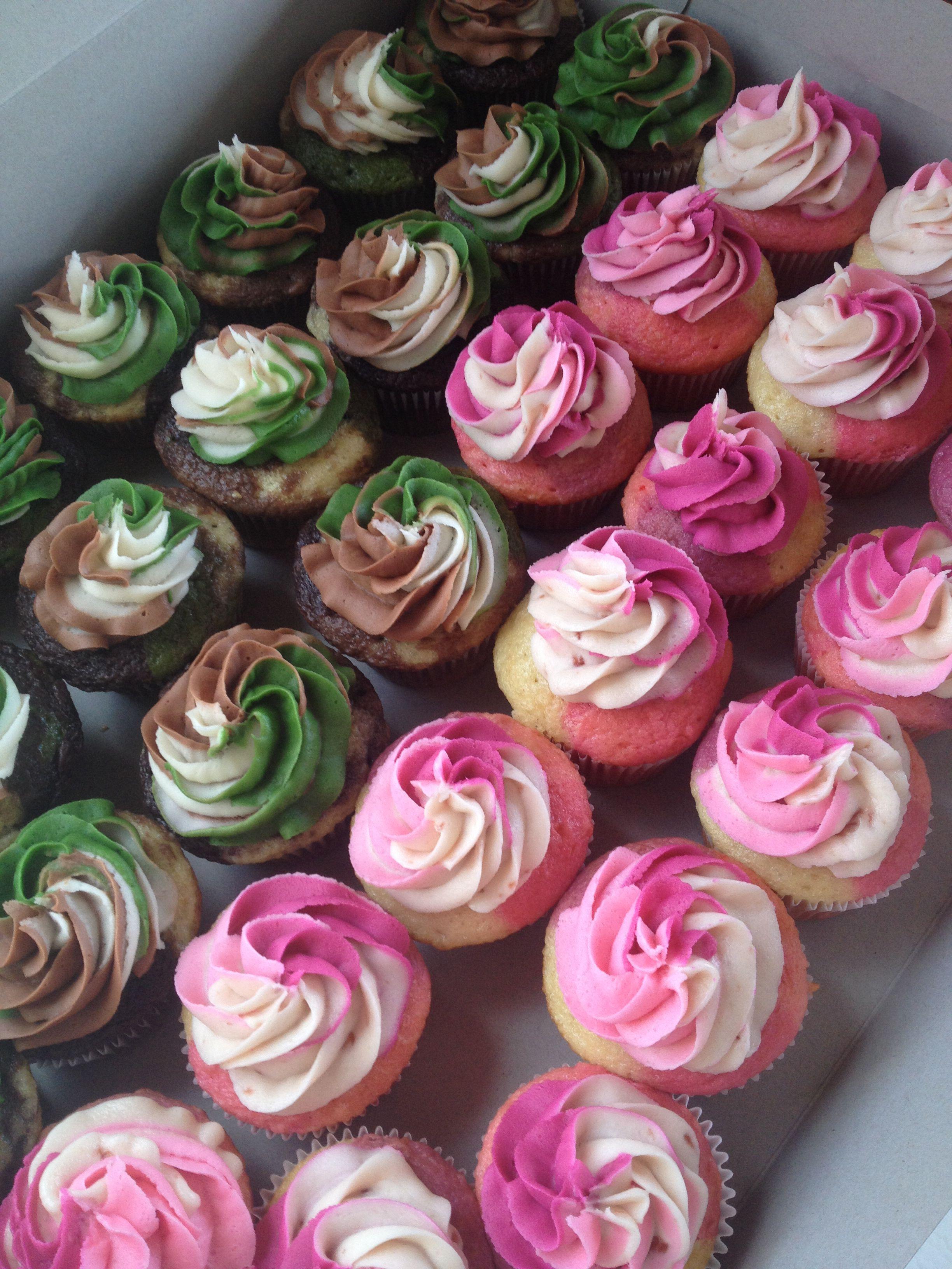 Camouflage cupcakes by StacyCakes WwwfacebookcomStacyCakes1  baby shower  Camo birthday