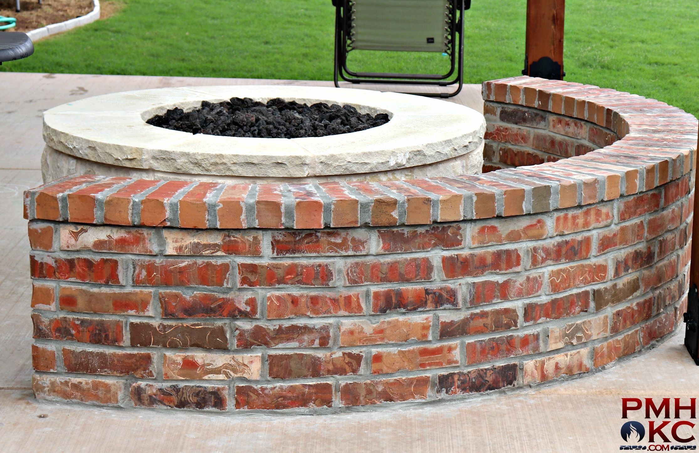 Custom Brick Bench With Stone Fire Pit Outdoor Fire Pit Stone Fire Pit Fire Pit
