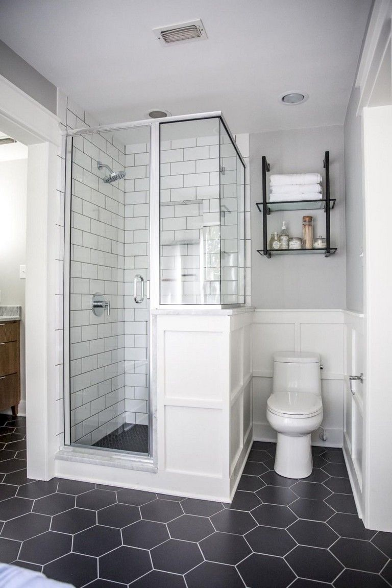 32 Stunning Small Master Bathroom Remodel Ideas Small Master Bathroom Bathrooms Remodel Farmhouse Shower