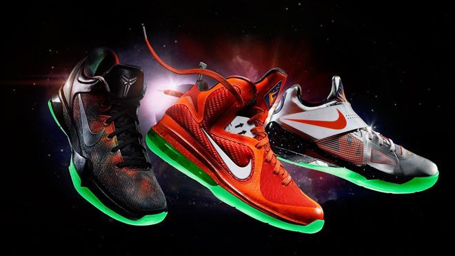 all red nikes nike ball shoes