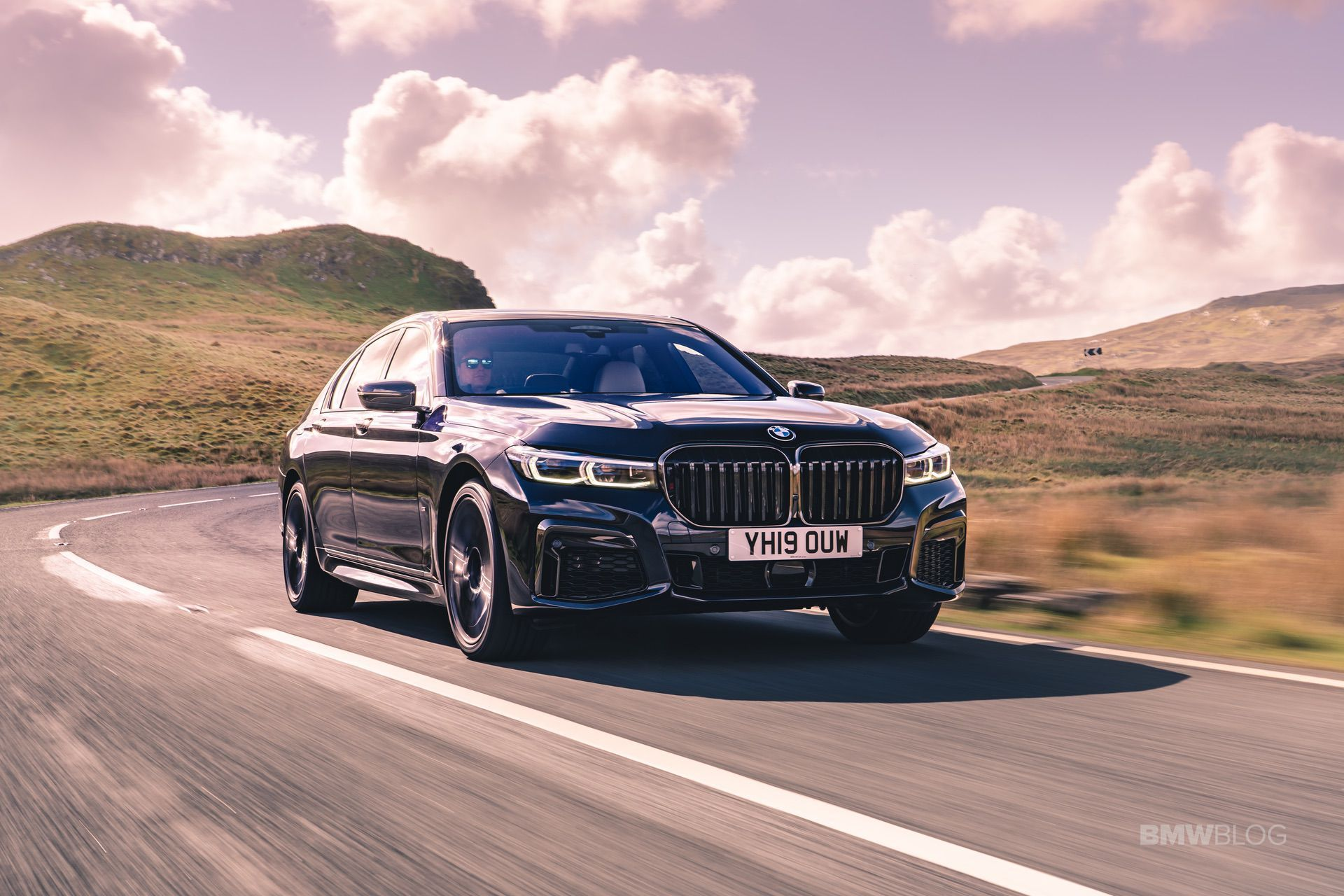 2020 Bmw 750i M Sport Package New Photos Sports Package Bmw Photo