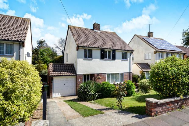 3 bedroom detached house for sale in Framfield Way, Eastbourne, BN21