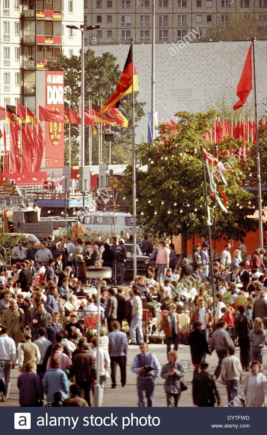 The Alexanderplatz In East Berlin 1989 Ddr In Color