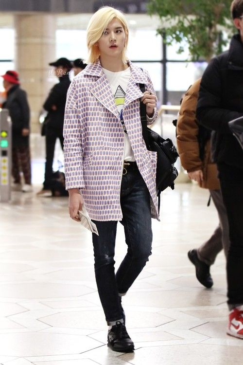Choi Ren Nu'est [14.03.20] REN at Kansai Airport