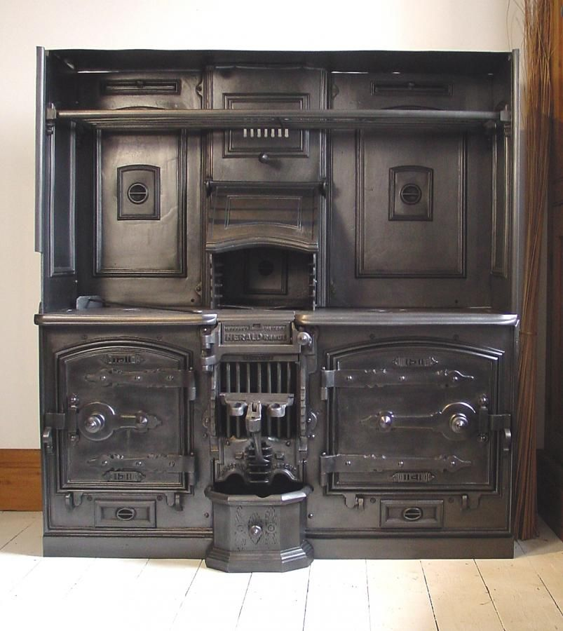 Closed range 19th century victorian cast iron cook for 19th century kitchen cabinets