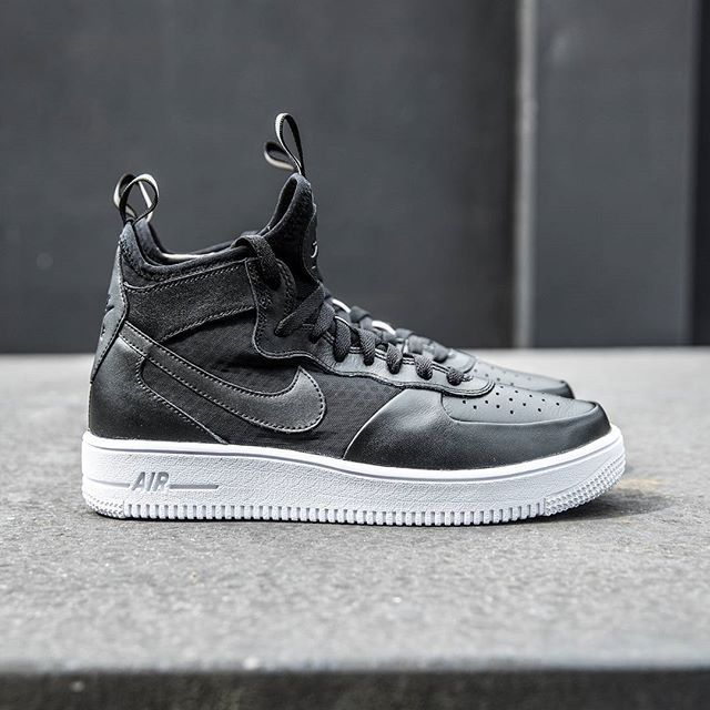 huge selection of 68ec3 0c51a Nike Air Force 1 UltraForce Mid
