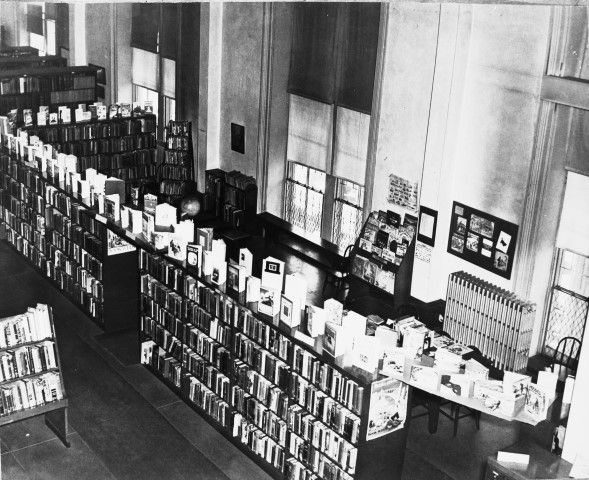 The Wilmington library (located in what is now the ballroom, above City Hall) in 1940.