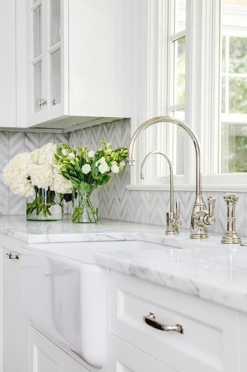 Farmhouse Washbasin With White And Gray Marble Counter Transition Kitchen Farmhouse Sink Kitchen Marble Countertops Kitchen Kitchen Countertop Colors