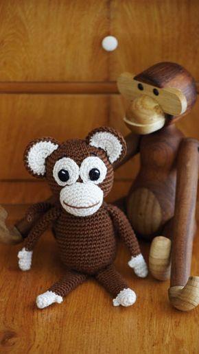 Hækl en sød abe - enten som tøjbamse, eller som en fin pyntegenstand på hylden.