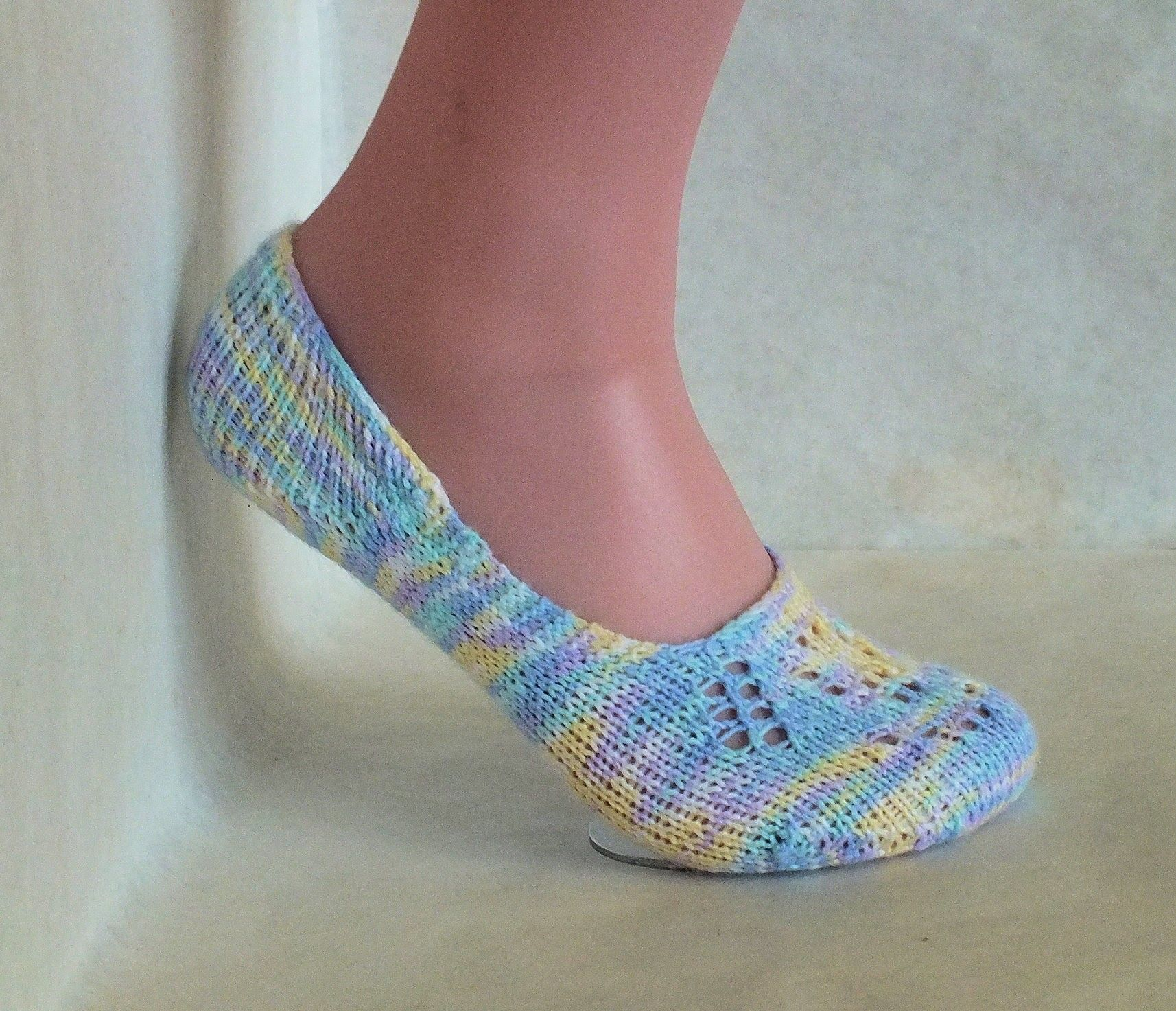 How to Loom Knit Lace Ballet Socks (Includes simple version) | Knit ...