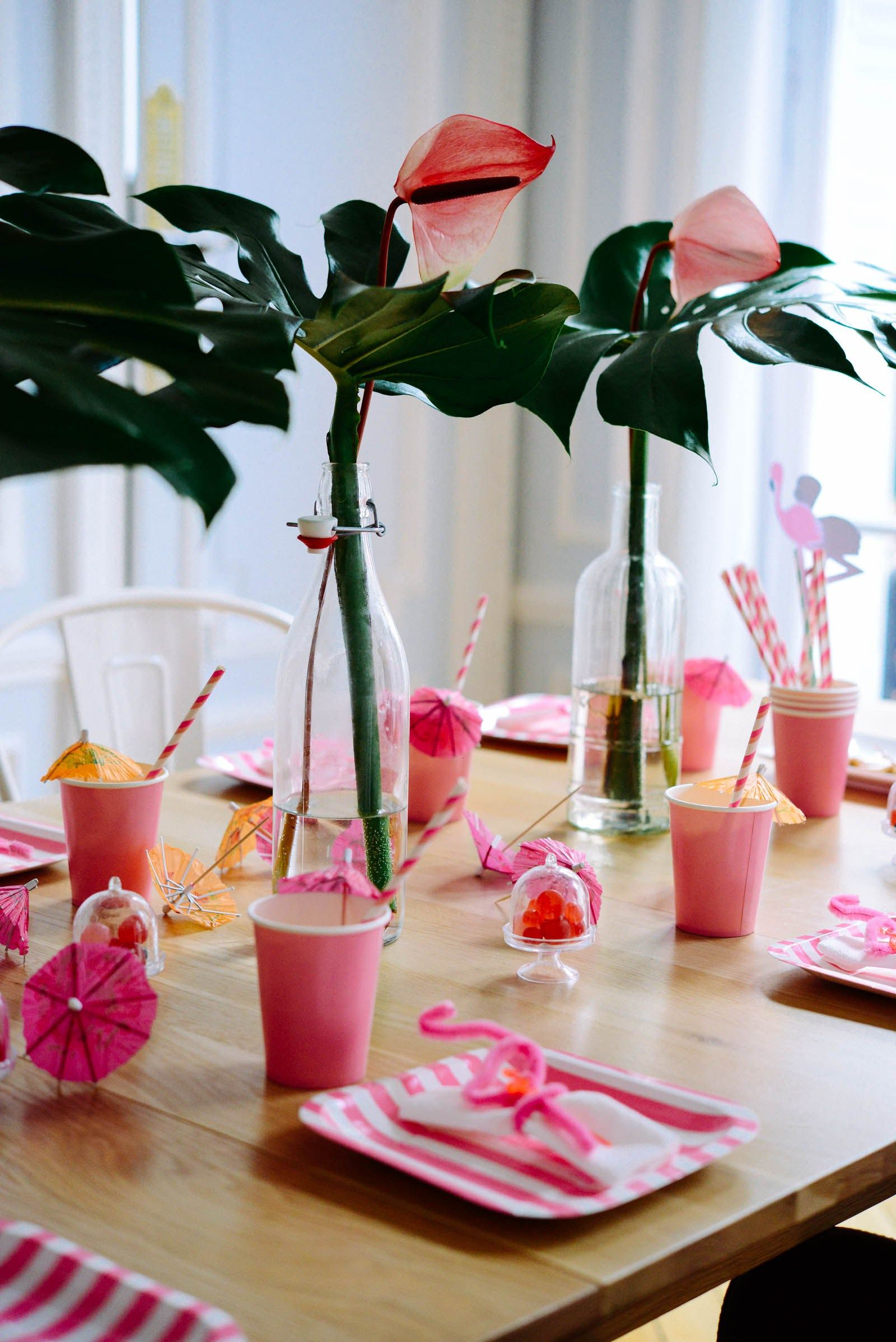 D co tropicale pour anniversaire d co tropicale pour f te for Deco flamant rose
