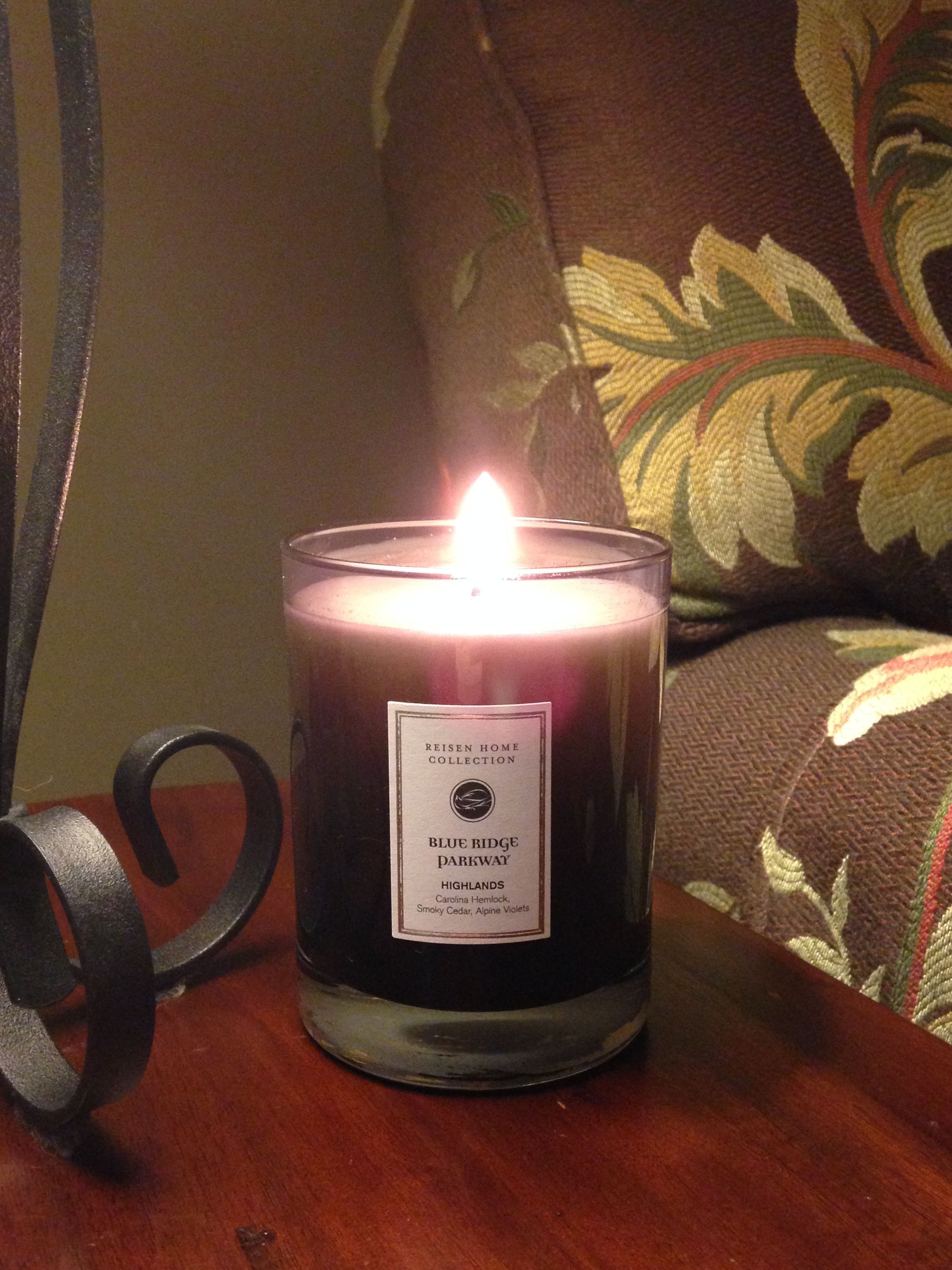 Thankful for the weekend and time with family!  Currently burning: Highlands #ReisenHomeCollection #ReisenHomeCandles #candles