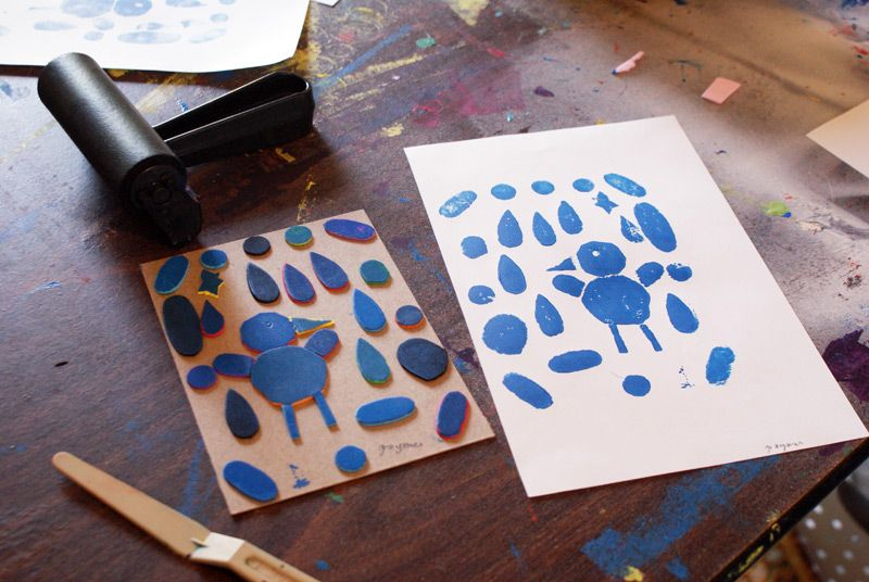 A printmaking tutorial on creating collagraphs(a term new to me ...