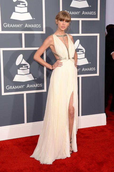 84b33bf945c9 Taylor Swift does a sexified version of her usual thing in J. Mendel at the  Grammys