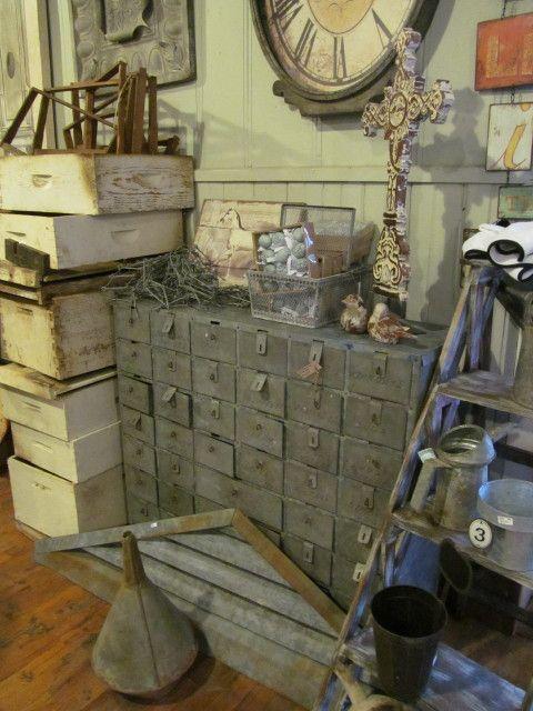 brocante objets d co brocante d co vintage industrielle meuble d 39 atelier meuble de m tier. Black Bedroom Furniture Sets. Home Design Ideas