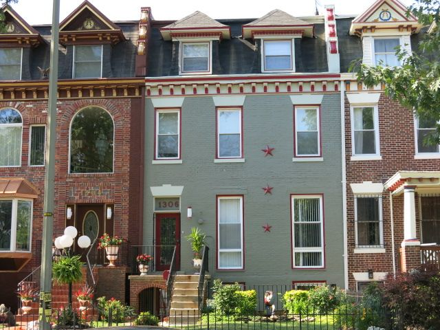 Three Stars in Columbia Heights