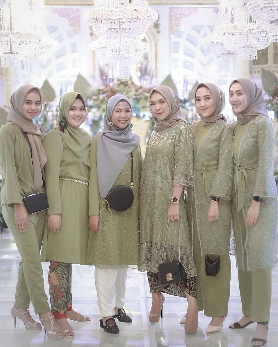 """Model Baju Untuk Kondangan : model, untuk, kondangan, Kondangan/Bridesmaid/Kebaya, Instagram:, """"Temukan, Inspirasi, Style, Kondangan, Hanya, @kondanganou…, Busana, Hijab, Modern,, Kasual,, Fashion, Muslim"""