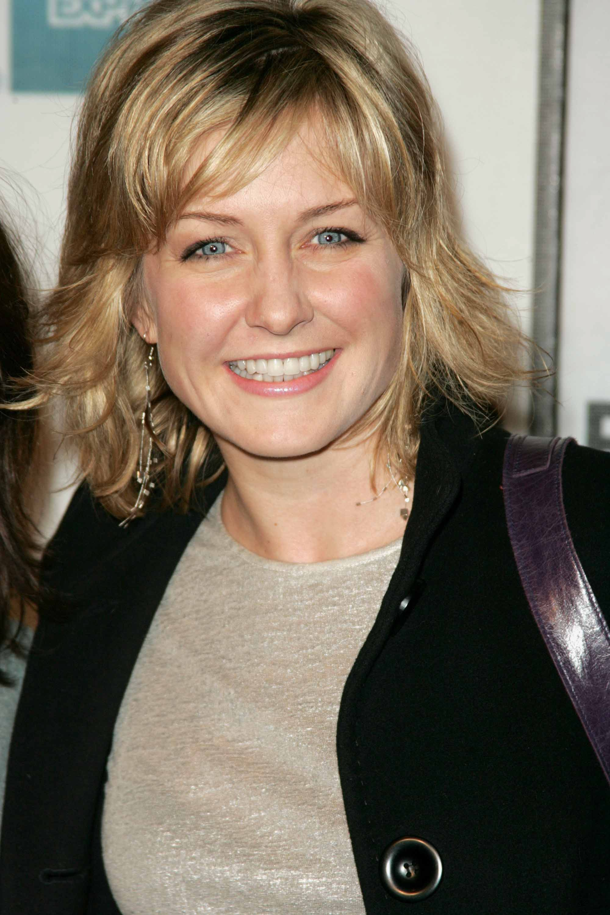20 Amy Carlson for Blue Bloods Hairstyles Ideas | Best ...