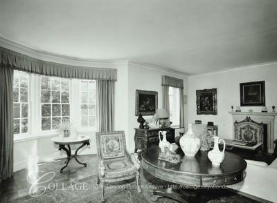 Garden Lodge In 1973 Living Room Source London Metropolitan Archives Freddie Mercury Freddie Mercury House Garden Lodge