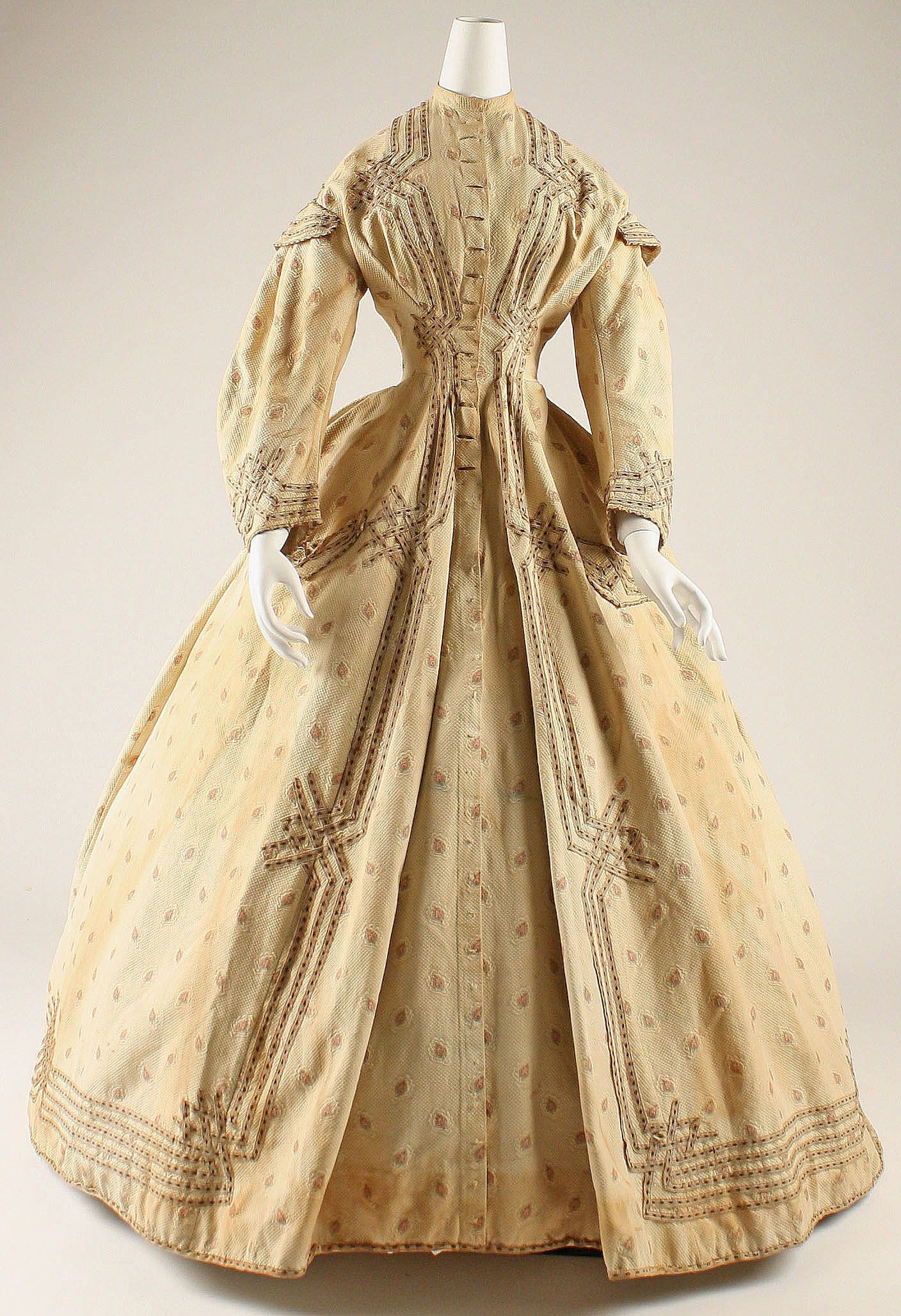 Dressing Gown: ca. 1860, American.   Vintage clothing 1830 ...