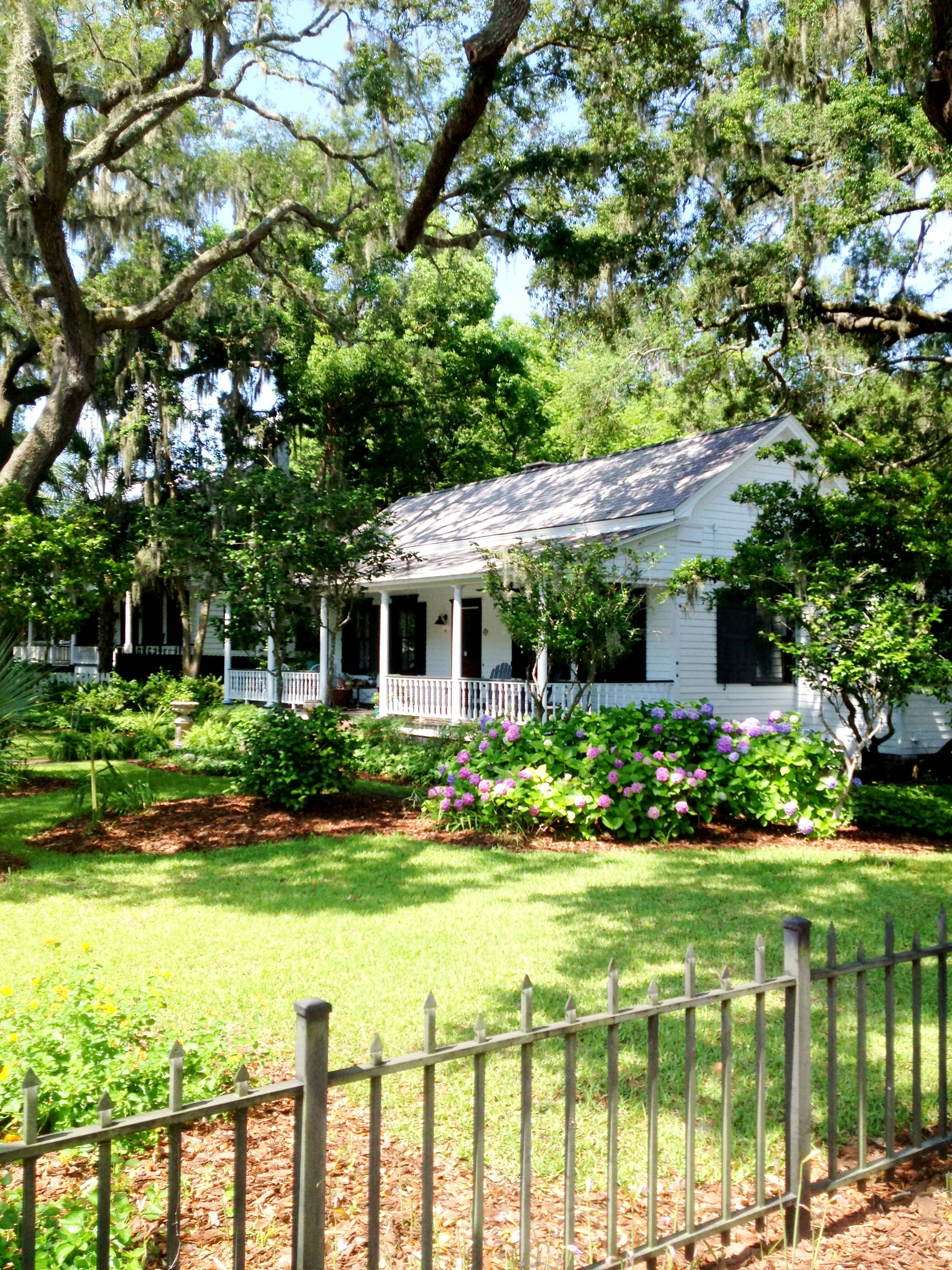 Yes please ! Old town bluffton sc cottage Hilton head