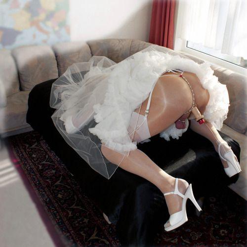 position r v e pour le mari cocu le jour de son mariage sa femme s envoie en l air sans retenue. Black Bedroom Furniture Sets. Home Design Ideas