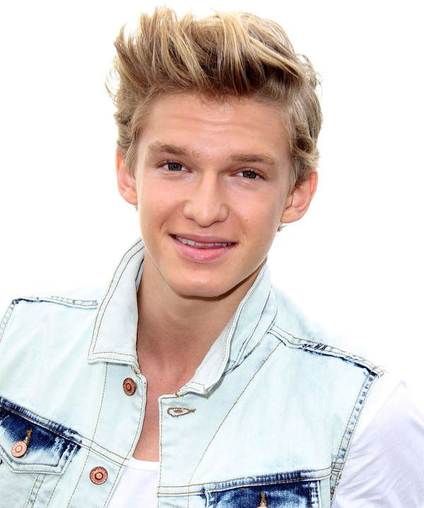 cody simpson pics   Cody Simpson: Bald wieder in Deutschland - StarFlash.de