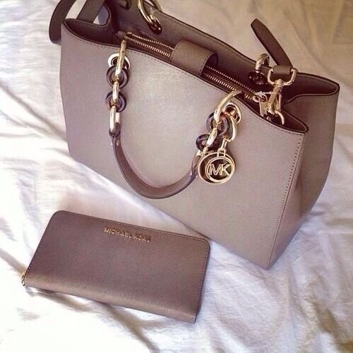 Michael Kors Cynthia tote and a signature wallet. Get in my