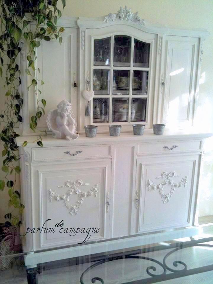 Buffet de style marie antoinette peint en blanc patin meubles peints pinterest - Meuble peint en blanc ...