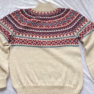 Bilderesultat for strikket genser med samisk mønster