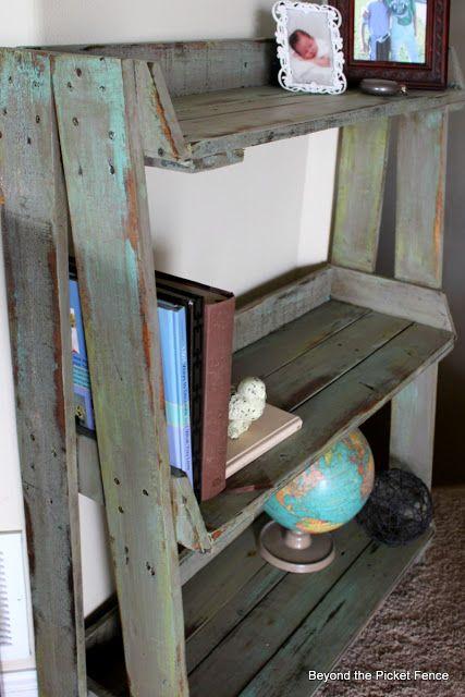 Diy Pallet Bookshelf Pallets Crates Decoration Maison