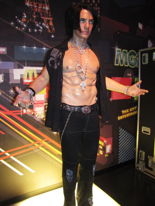 Who Looks More Real Touring Madame Tussaud S Museum In Las Vegas Tanama Tales Madame Tussauds Tussauds Museums In Las Vegas