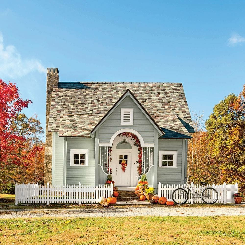 Slate roof on this tiny east coast home | Cute Homes | Pinterest ...