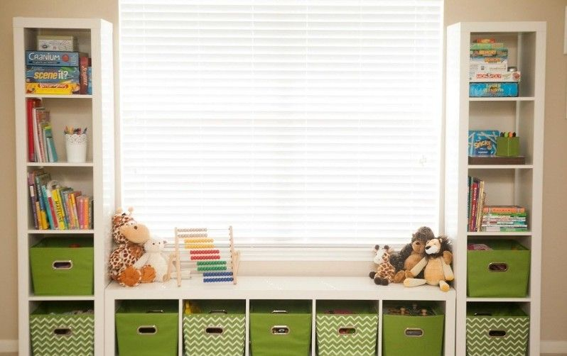 stauraum im kinderzimmer wandregale um die fenster kinderzimmerdeko pinterest wandregal. Black Bedroom Furniture Sets. Home Design Ideas