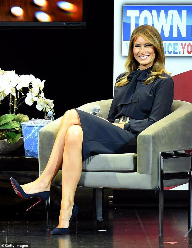 Melania Trump To Get Woman Of Distinction Award From Christian College In 2020 First Lady First Lady Melania Trump Milania Trump Style