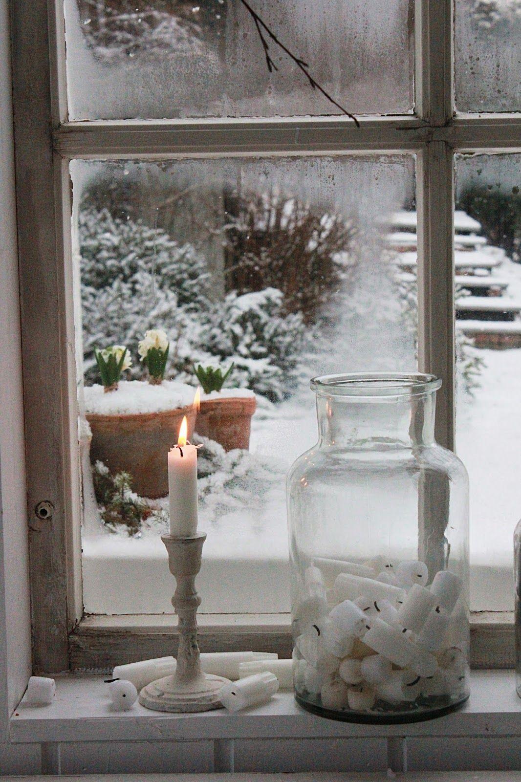 Bougies et vase sur un rebord de fen tre pinteres for Rebord de fenetre