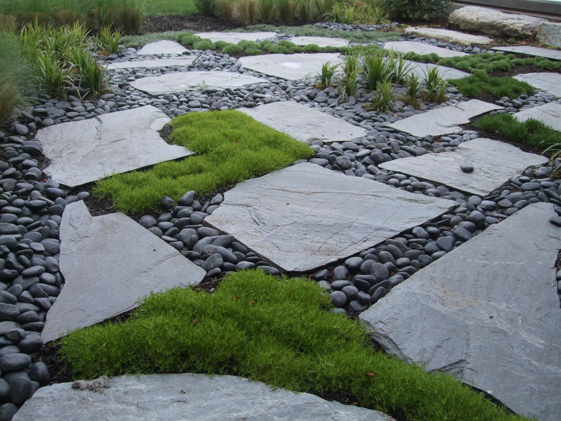 Pavers with moss mexican pond pebbles lurvey landscape for Garden designs using pebbles